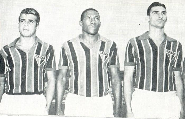 FONTE http://www.saopaulofc.net/noticias/noticias/historia/2013/7/24/sao-paulo-futebol-clube-lamenta-morte-de-djalma-santos/