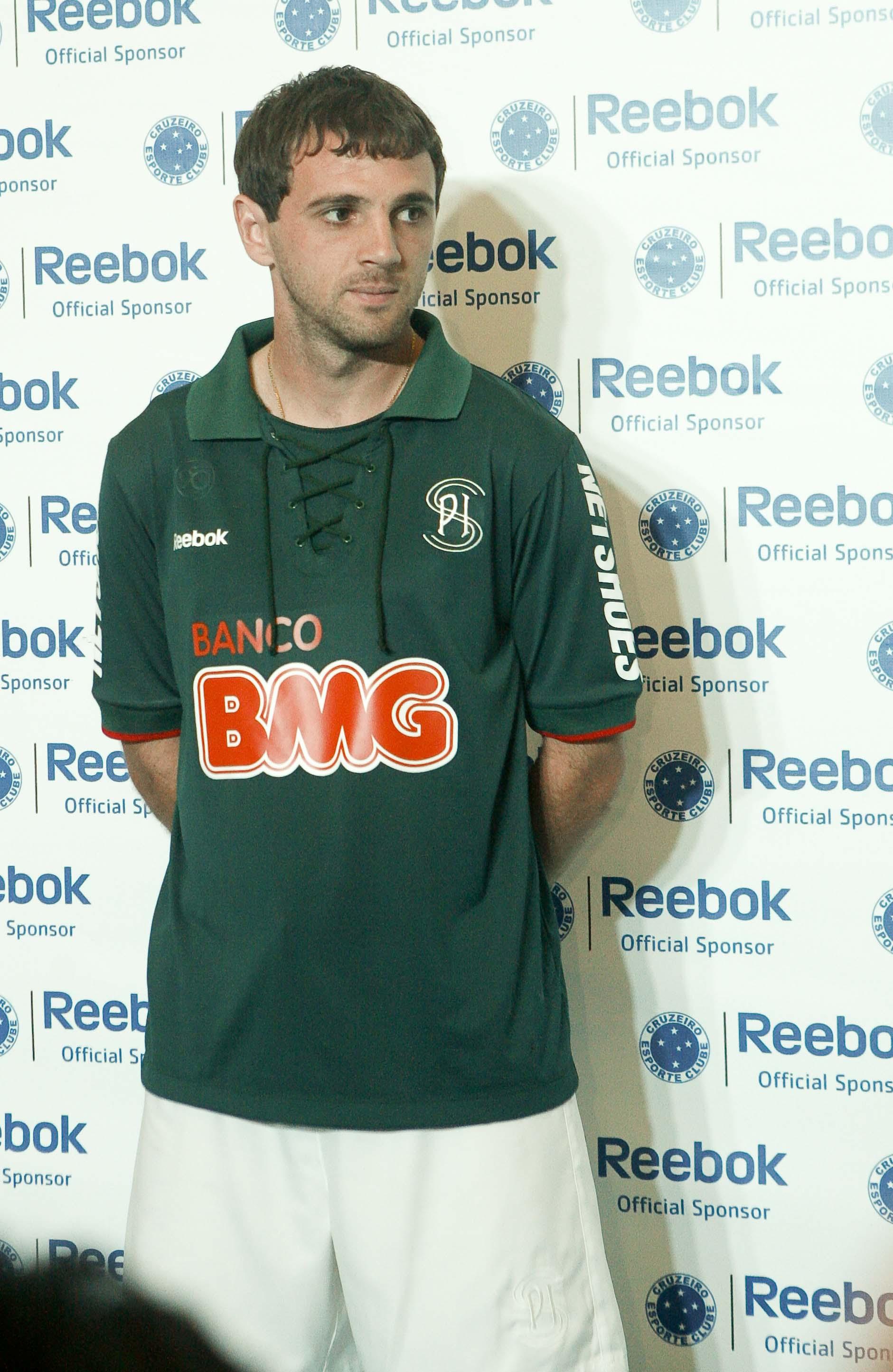 2a2e1380a4 Montillo com o uniforme 3 do Cruzeiro FOTO Washington Alves VIPCOMM
