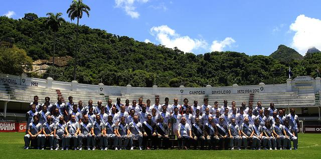 Com cartolas e comissão técnica FOTO Nelson Perez | Fluminense F.C.