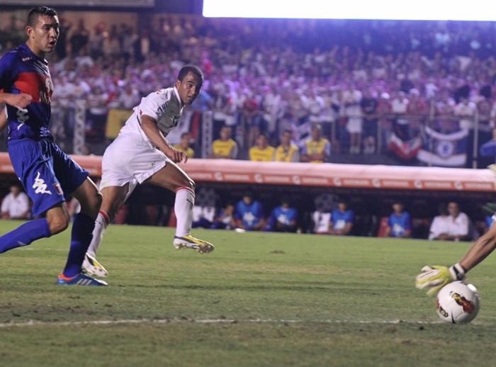 Golaço na despedida. FOTO Luiz Pires VIPCOMM
