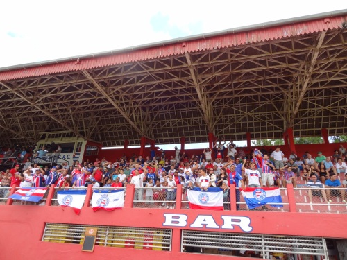 Torcida do Bahia presente...