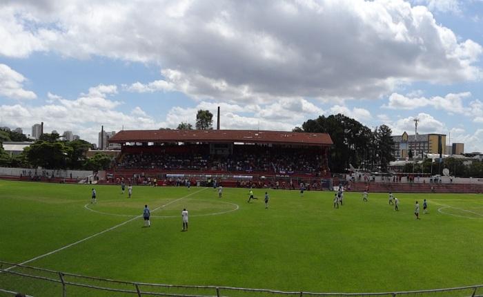 Estádio Nicolau Alayon (rua Comendador Sousa), em dia de Bahia x Grêmio pelaCopinha.