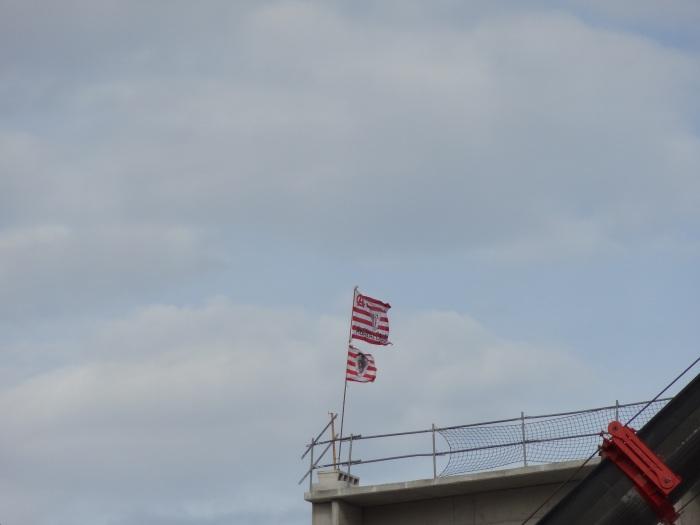 A bandeira do Athletic tremula na nova obra