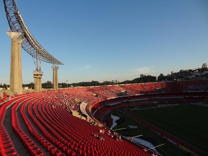 San-São fraco de público: nem 12 mil pessoas foram ao Morumbi ver o clássico São Paulo x Santos, num belo  domingo de sol. @futpopclube