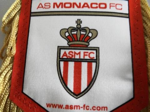 Flâmula com o escudo anterior do Monaco