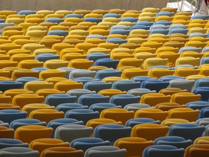 Cadeiras próximas do gramado do Maracanã, vazias na rodada de domingo à tarde FOTO: João Ricardo Lima @FutPopClube