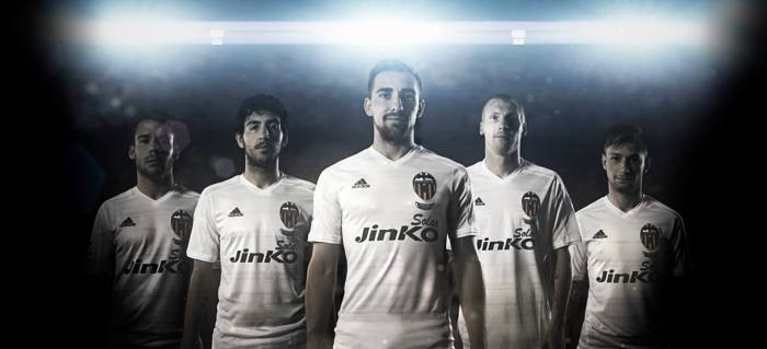 https://www.facebook.com/ValenciaCF?fref=photo