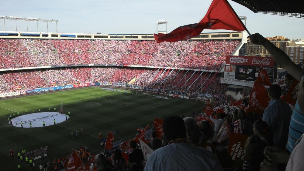 Espetáculo da torcida do Atlético de Madrid. (1/4)
