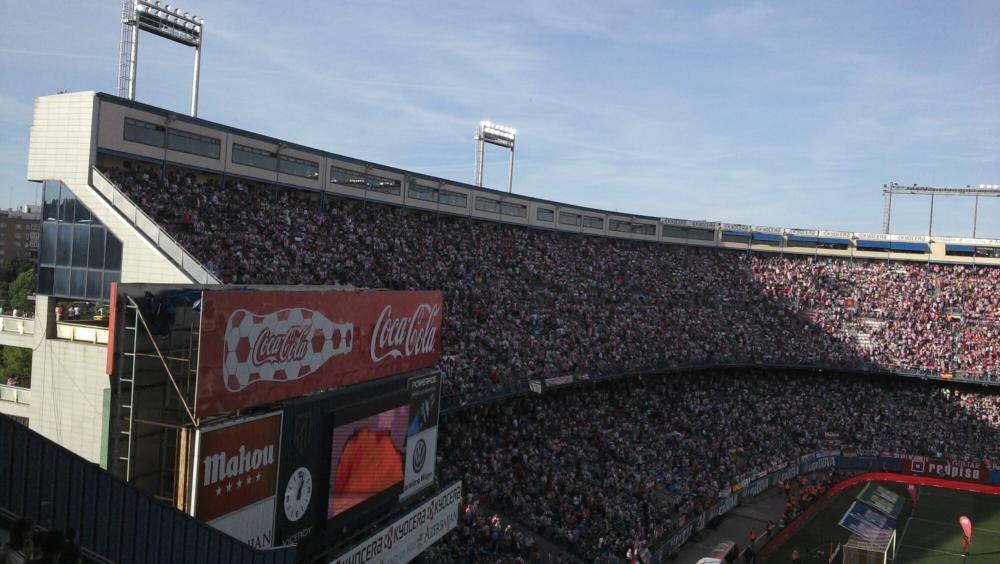 Espetáculo da torcida do Atlético de Madrid. (2/4)