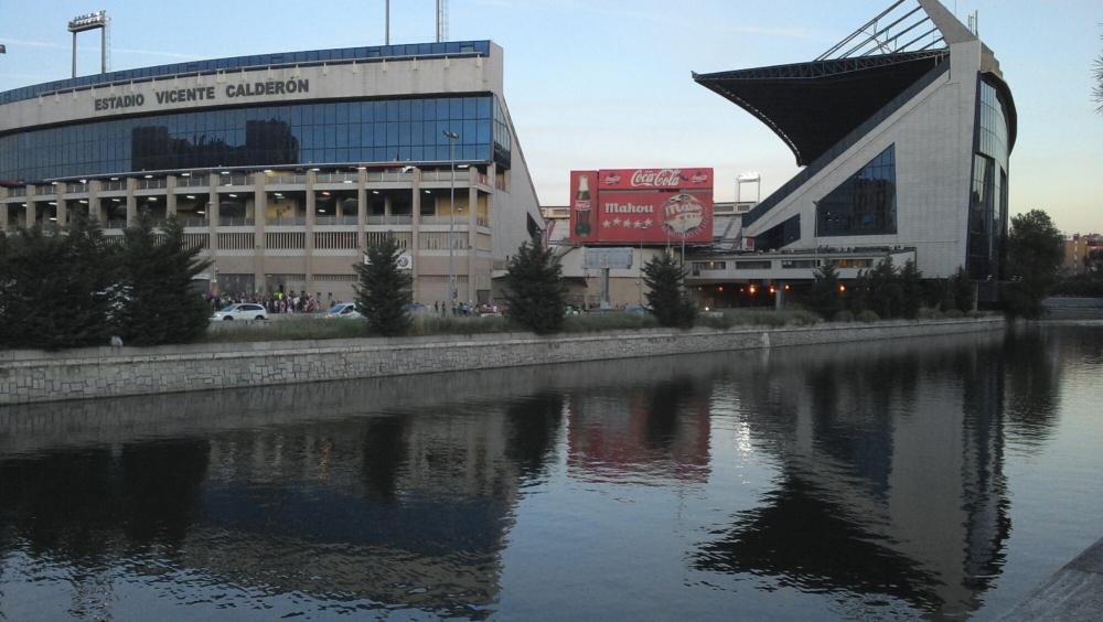Espetáculo da torcida do Atlético de Madrid. (4/4)