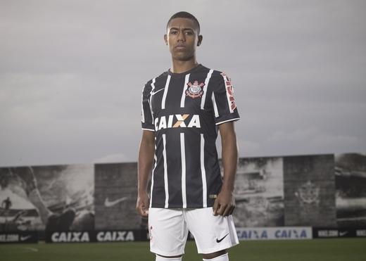 Corinthians_2014118081_detail_large