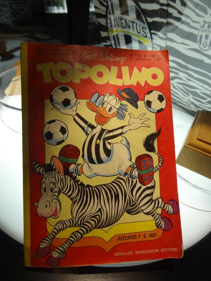 Um Pato Donald bianconero na versão italiana da revista do Mickey