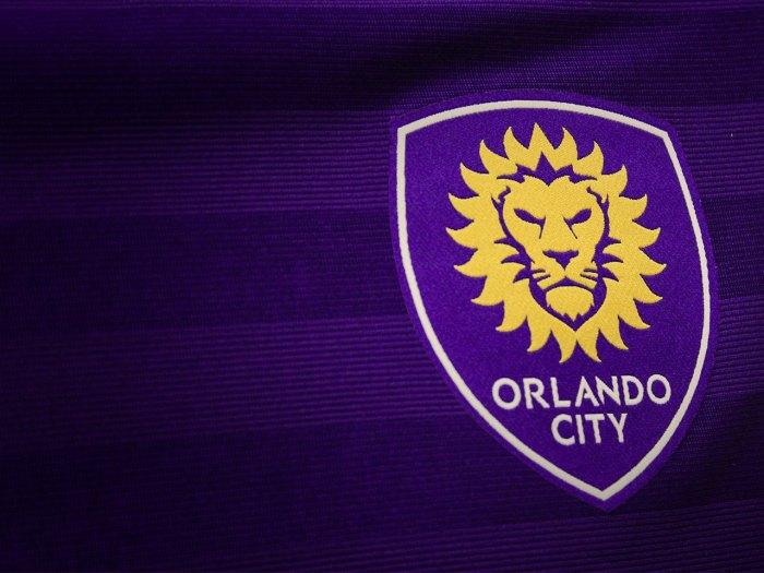 """Como diriam Samuel Rosa + Nando Reis, """"o distintivo na camisa do uniforme"""" : https://www.facebook.com/OrlandoCitySC"""