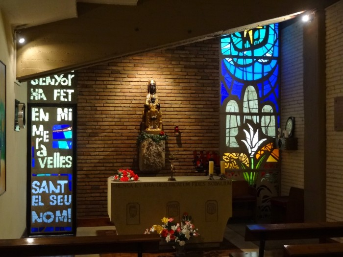 Capela em homenagem à Nossa Senhora de Montserrat, padroeira da Catalunha, perto dos vestiários do Camp Nou.