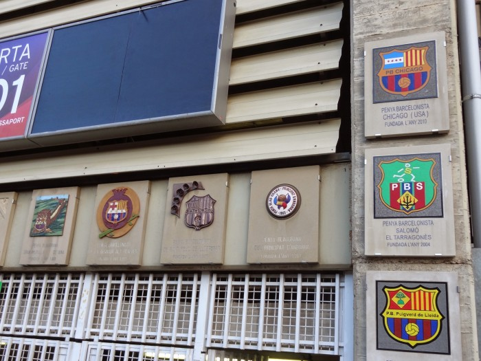 Homenagem às penyas, as torcidas barcelonistas em todo mundo.