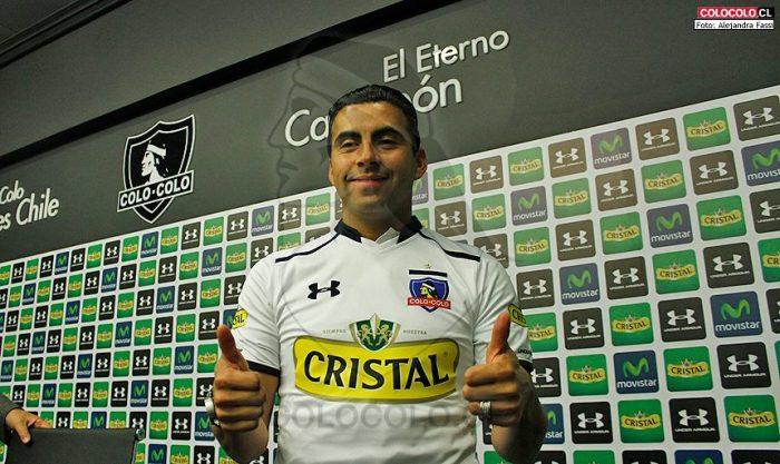 Olha o Maldonado aí experimentando o uniforme do Colo Colo feito pela Under Amour : https://www.facebook.com/colocolo/