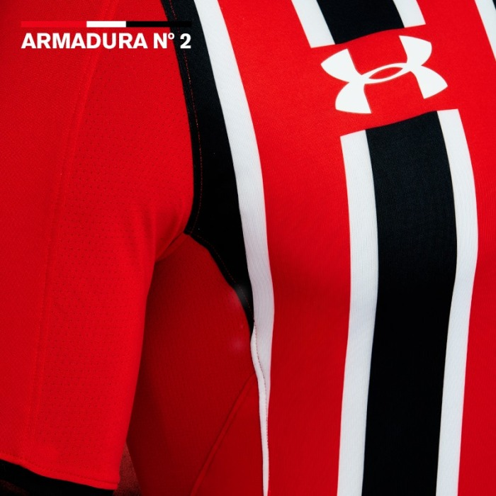 https://www.facebook.com/UnderArmourBrasil