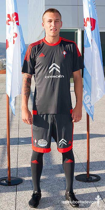 Segundo uniforme do Celta : facebook.com/realclubcelta/