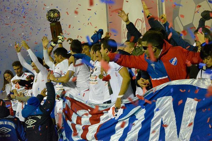 É campeão! É campeão? facebook.com/Nacional