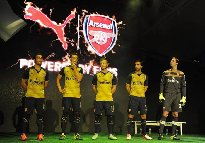 Away Kit do Arsenal 15-16