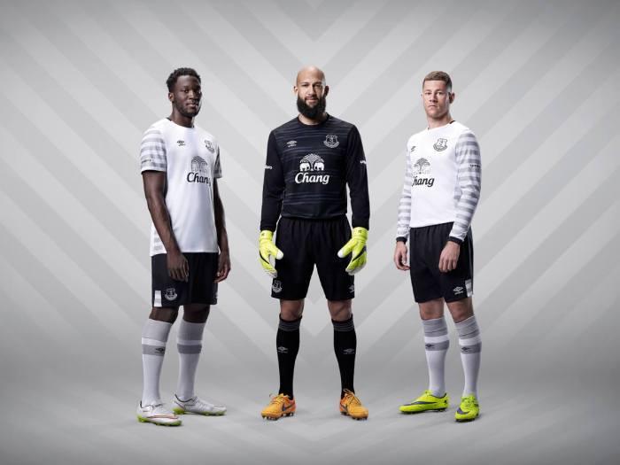 Segunda camisa do Everton 2015-16.