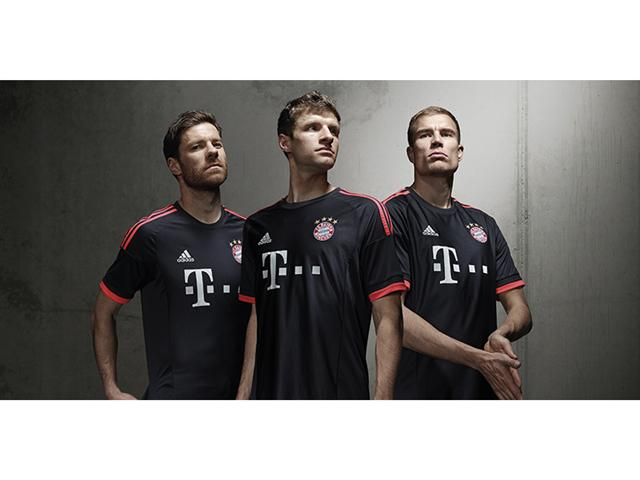 3ª camisa do Bayern, 2015-16