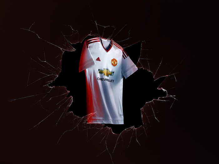 Away kit: segunda camisa do Man United 2015-16.