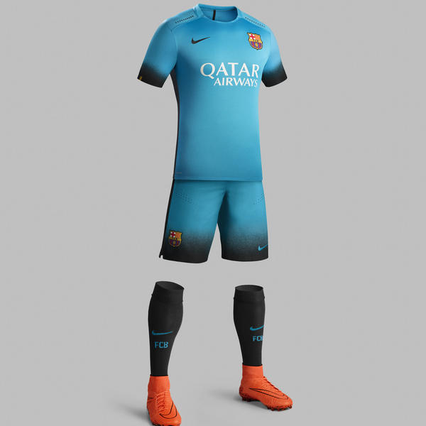 Terceira camisa do Barça 15-16.
