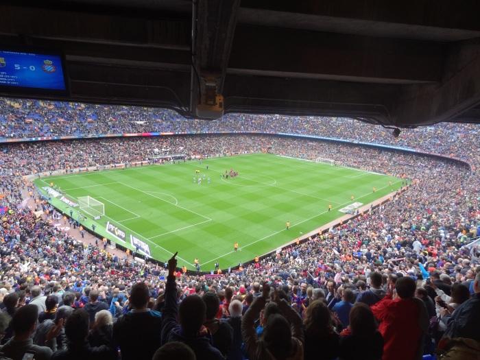 Camp Nou em tarde de #manita no dérbi deBarcelona