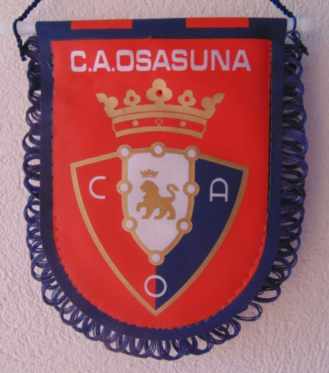 Flâmula do Osasuna, fundado em 25 de outubro de 1920.