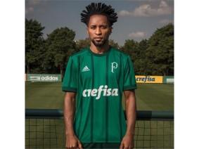 Zé Roberto e a camisa I adidas do Palmeiras (2017)