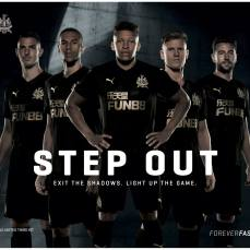 Third kit. A terceira camisa do Newcastle pra temporada de volta à Premier.
