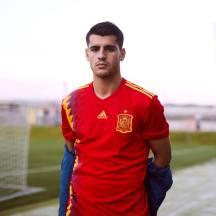 Álvaro Morata e a camiseta da La Roja: à la 1994.