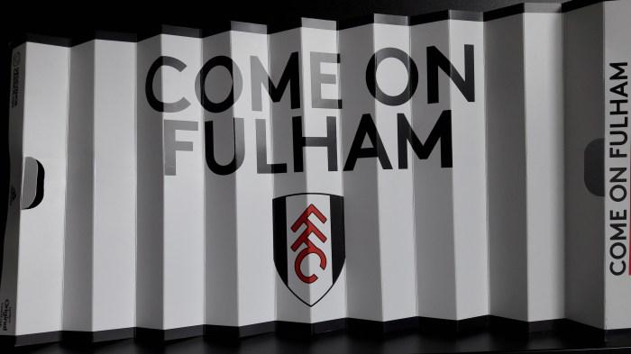 Futebol à beira do Tâmisa, em noite de Fulham 3×0 SheffieldUnited.